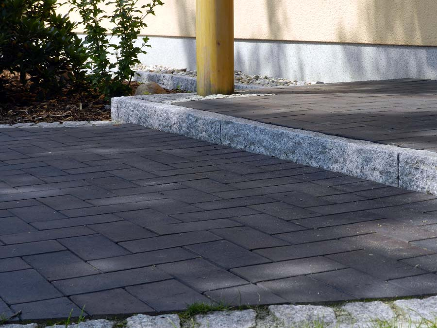 hauseingang gestalten granit treppe hauseingang auentreppen aus granit oder waschbeton. Black Bedroom Furniture Sets. Home Design Ideas